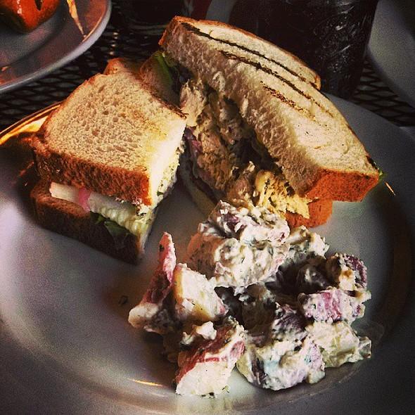 Curry Chicken Salad Sandwich. @ Foodē