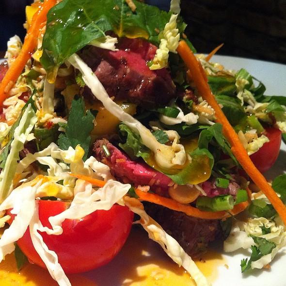 Thai Salad @ Houston's Restaurant Boca Raton