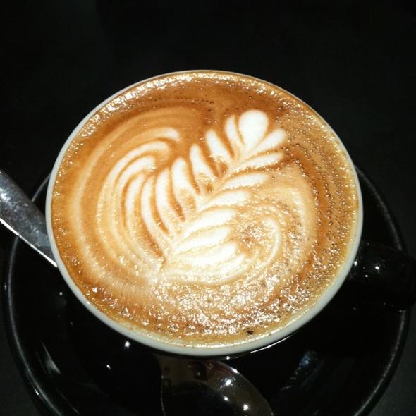 Flat White @ Nude Espresso