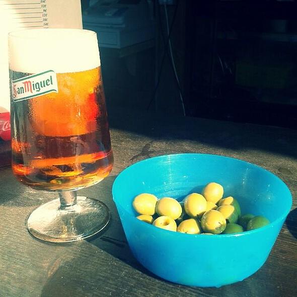 Beer and olives @ Chiringuito Los Emilios