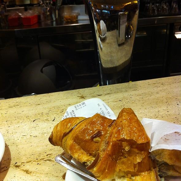 Cornetto Al Cioccolato @ Bar Pompi