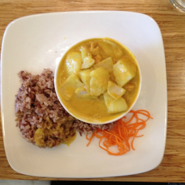 Yellow Curry With Chicke @ Lanna Thai Restaurant