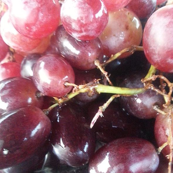 Fruit @ Mirac A boat