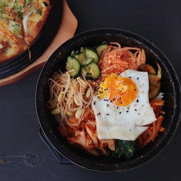 Vegetarian Bibimbap @ YamYam Korean Cuisine