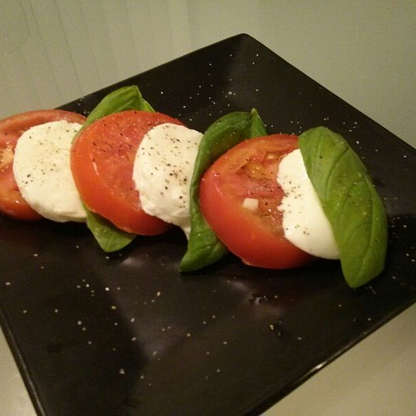 Caprese Salad @ Where The Chef Eats