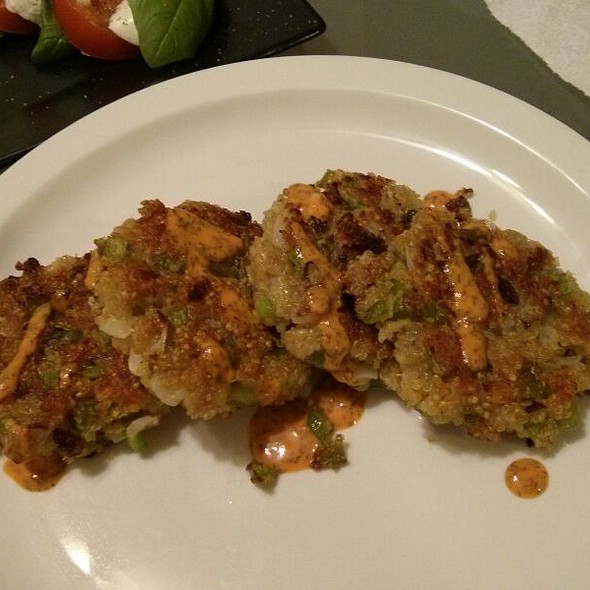 Quinoa Cakes With Lemon Sriracha Dill Remoulade @ Where The Chef Eats