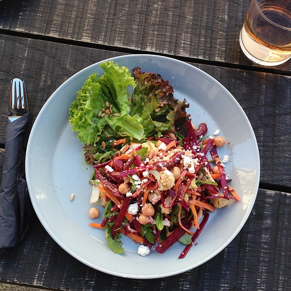 Chickpeas Salad With Red Cabbage, Carrots And Feta Cheese @ Café Oliv