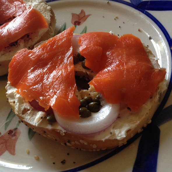 Everything Bagels With Cream Cheese, Smoked Salmon, Red Onions, Capers @ Home