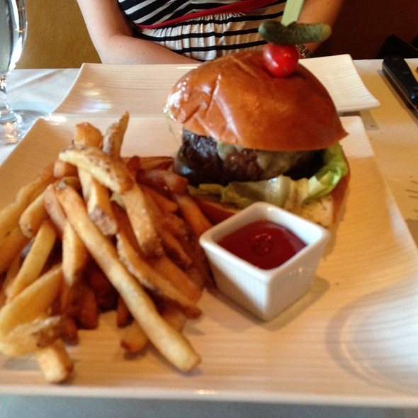Dt's Cheeseburger - David Todd's City Tavern, Morristown, NJ