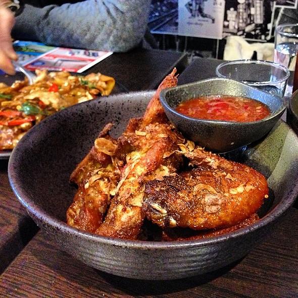 Chicken Wings @ Khao Pla