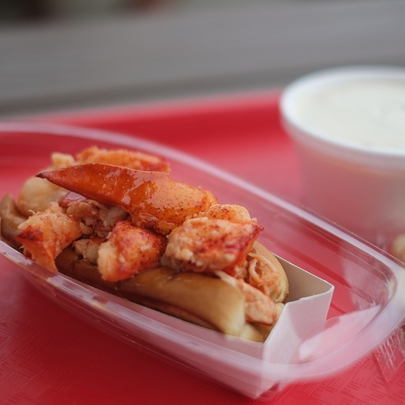 lobster roll @ Nancy's Snack Bar