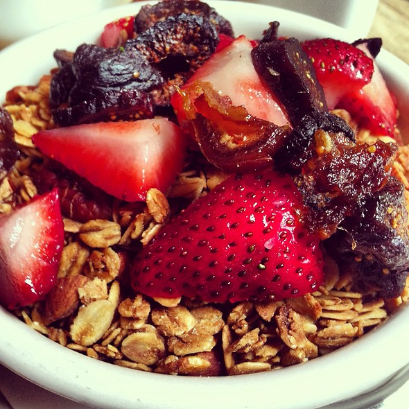 Housemade granola @ The Smile