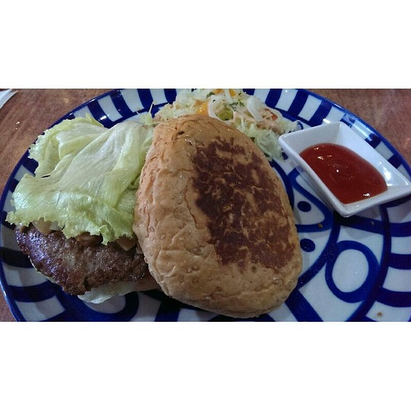 Breton Mozzarella Burger