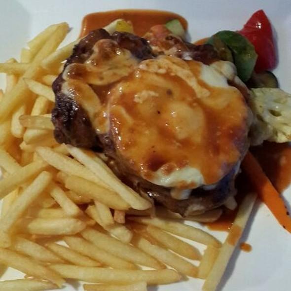 Hawaii Steak @ Essensia