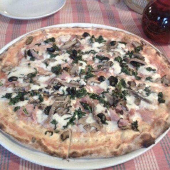 Pizza Capricciosa @ Bella Napoli Pizzeri