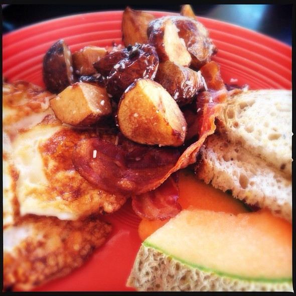 Juniper Street Breakfast @ Babs