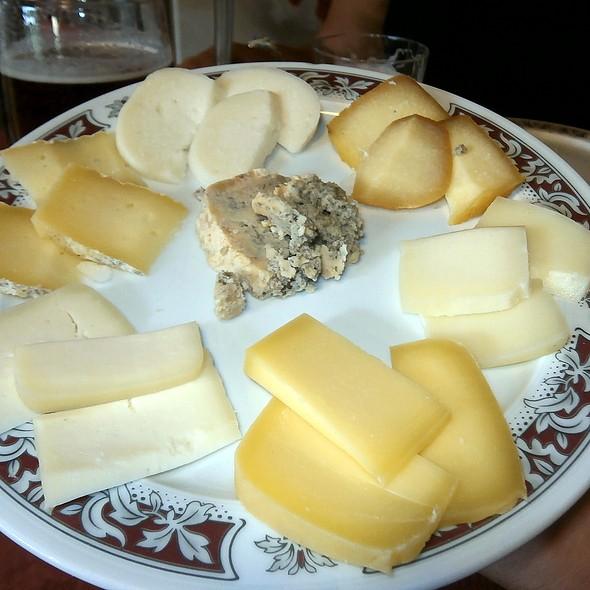 Assorted Asturian cheeses @ Casa el Rubio Restaurant