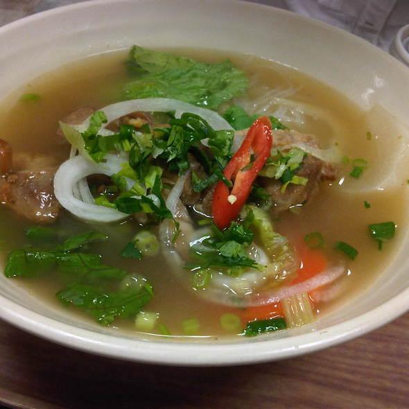 Vietnamese Noodle Bowl @ City Super