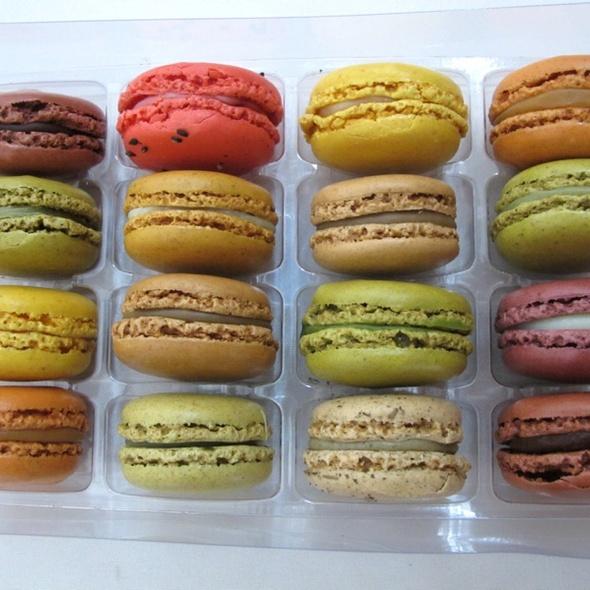 Macarons @ Sadaharu Aoki