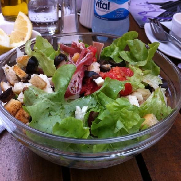 Voil cafeteria francesa menu santiago foodspotting for Ensalada francesa