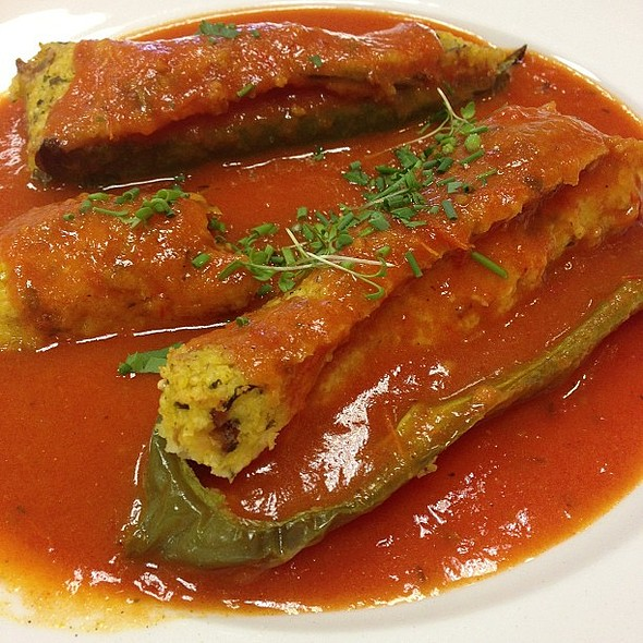 Stuffed green peppers and tomato sauce @ Evi Naturkost