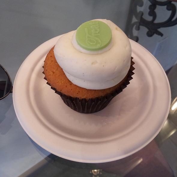 Keylime Cupcake @ Treat! cupcakes