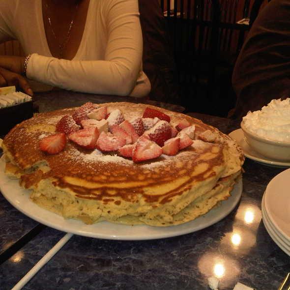 Harold New York Deli Man Vs Food