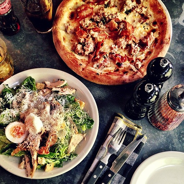 Today's late lunch is going to be goooooooood  @ Pizza East