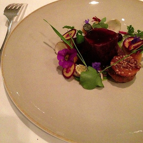 Summer roe with braised venison and blueberry @ Restaurant Oud Sluis