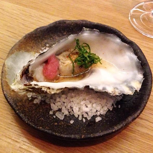 Oyster in Sake @ Dos Palillos