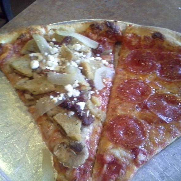 Vegetarian Pizza @ Romeo's New York Pizza | Pizza in Alpharetta Ga