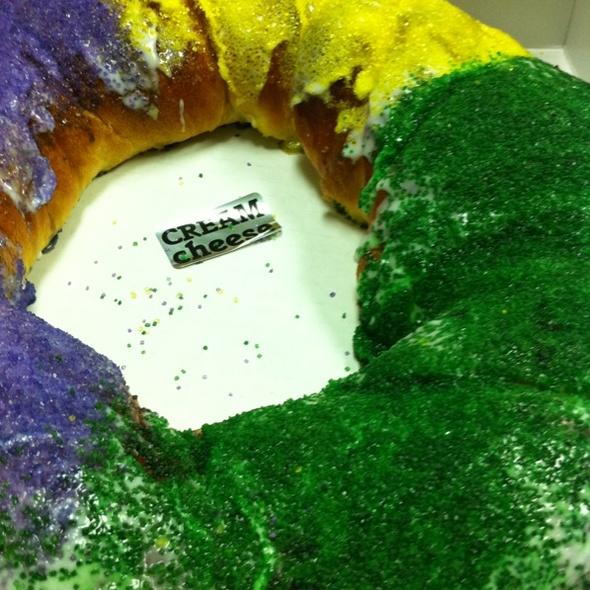 King Cake @ Cinotti's Bakery-Sandwich Shop