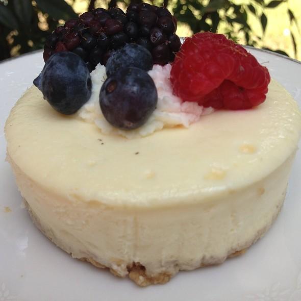 Mini Fruity Cheesecake