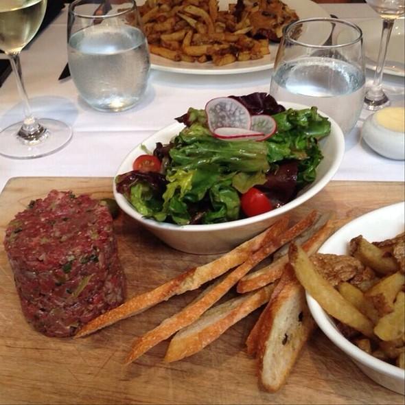 Beef Tartare - Verses Restaurant, Montréal, QC