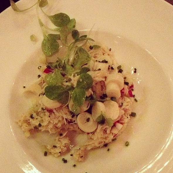 Crab Salad @barawine w/radish, hearts of palm, light vinaigrette. Great balance. @ Barawine
