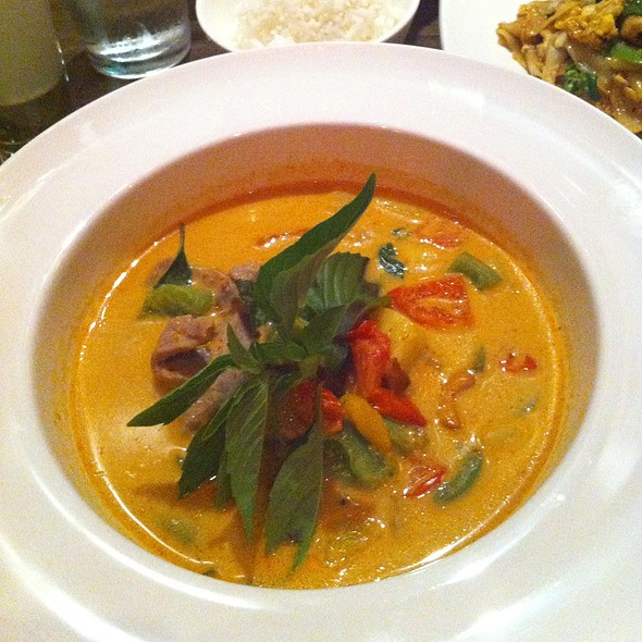 Pineapple Curry @ Ruay Thai Restaurant LLC