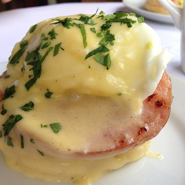 Eggs Benedict - VILLAGE California Bistro & Wine Bar, San Jose, CA