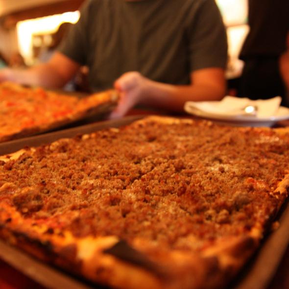 Hamburger Romano Pizza @ La Casa Pizzaria