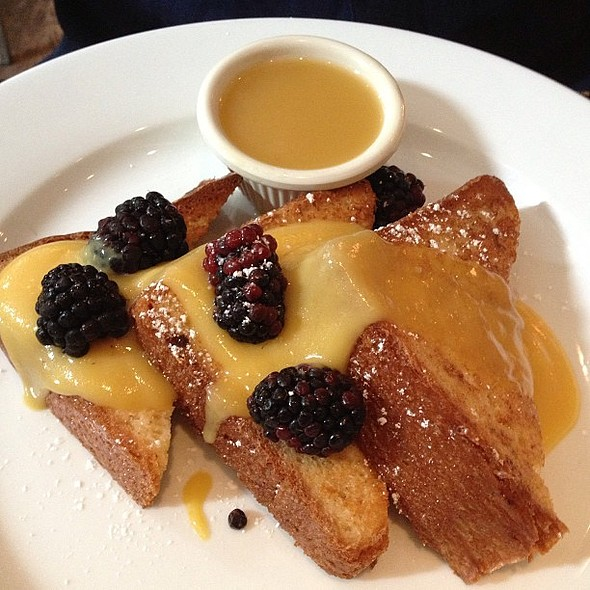 French toast @communityfoodandjuice w/passion preserves, blackberries, maple butter (the truth, Ruth!) @ Community Food & Juice