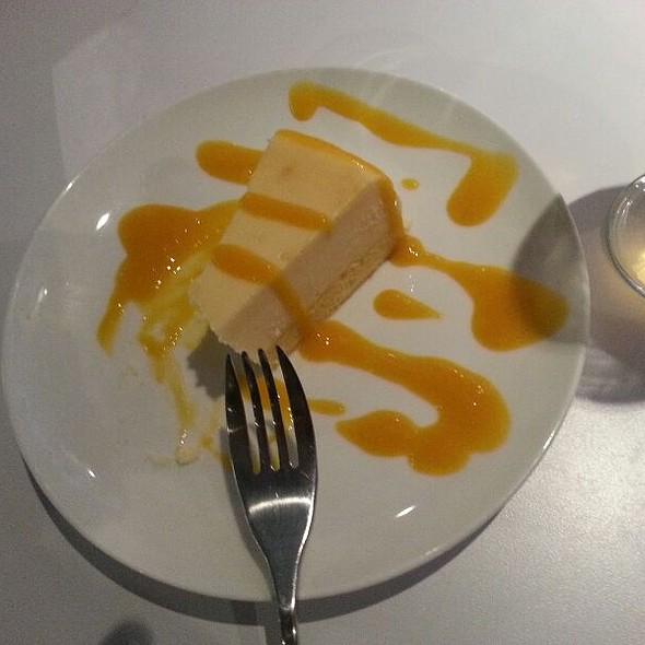 Mango Passionfruit cheesecake @ Blanc Burgers+Bottles