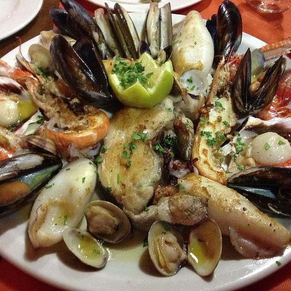 Parrillada De Pescados Y Mariscos @ Restaurant La Cirera