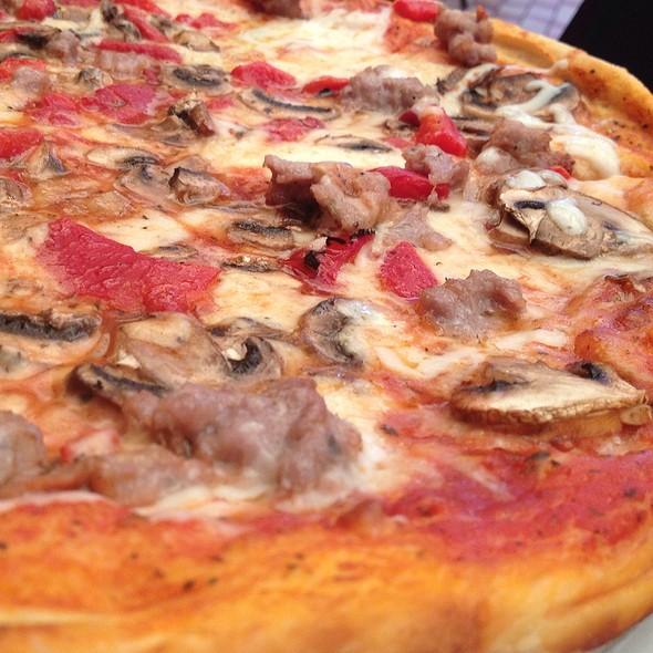 Italian Classic Pizza  @ Seven Seas Restaurant