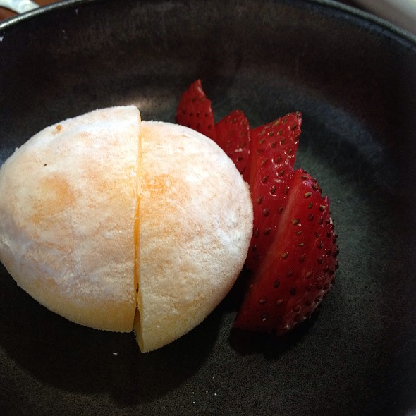 Mango Mochi Ice Cream @ Haru