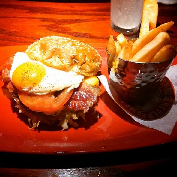 Royal Red Robin Burger w/Fries @ Red Robin Gourmet Burgers
