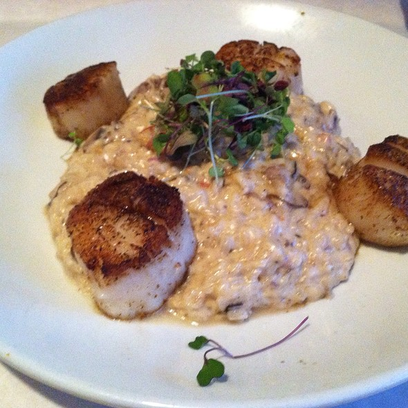 Seared Scallops And Mushroom Risotto