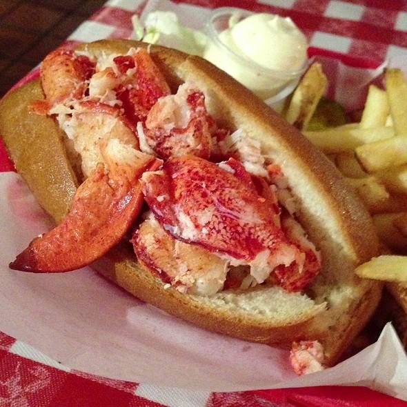 Naked Lobstah Roll @ Old Port Lobster Shack