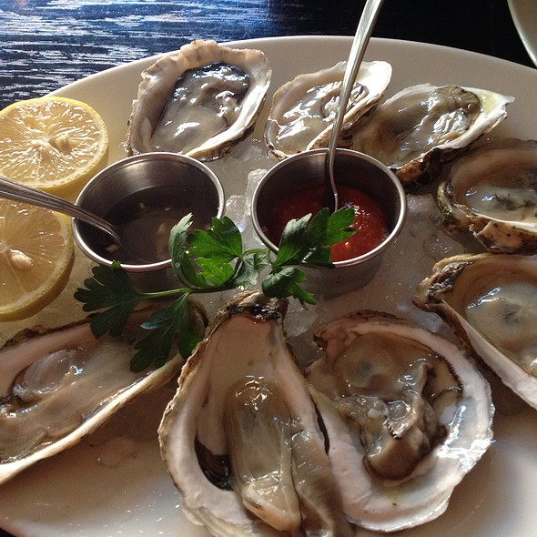 Blue Point Oysters - Verde on Smith, New York, NY