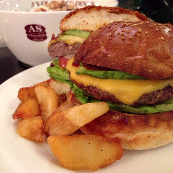 Avocado Cheese Burger @ As Classics Diner