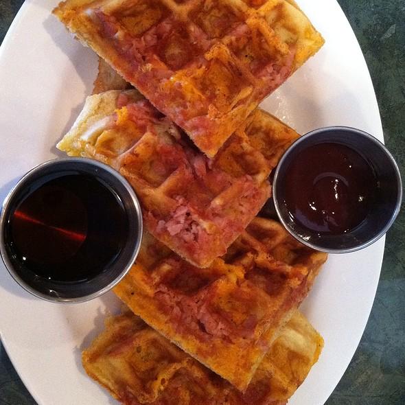 Chicken and Waffles @ Grindz
