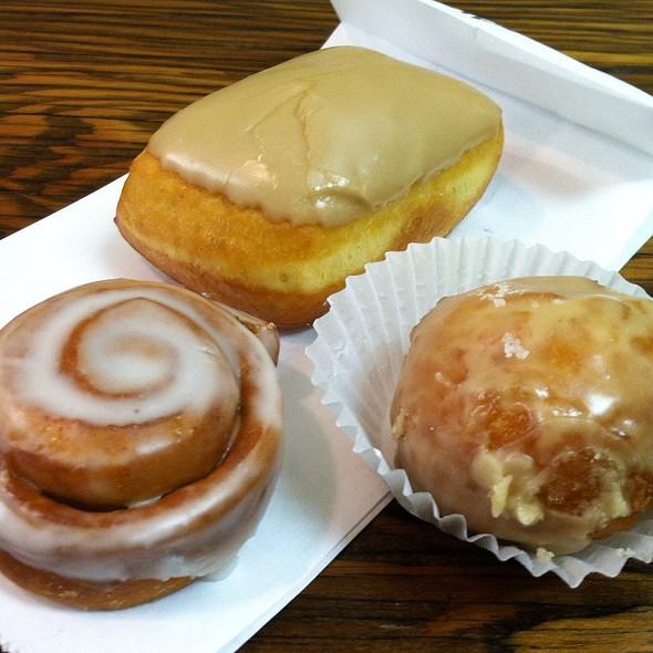 Donuts @ Donut Savant